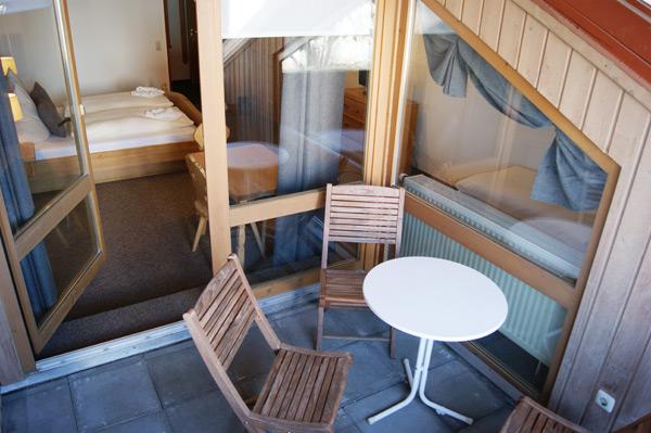 Gemütlicher kleiner Balkon
